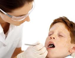 child's first visit to the dentist